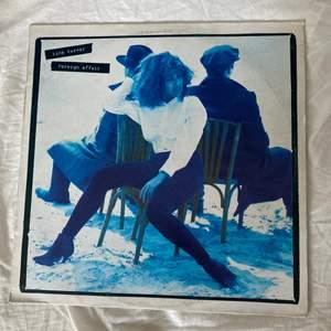 Tina Turner vinylskiva i fint skick med kända låtar som the best