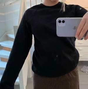 Svart sweatshirt från H&m i stl s💞