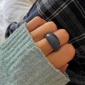 Superfin blå ring