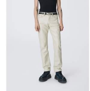 Säljer mina helt nya eytys jeans. Endast testade. Storlek W26 L32.