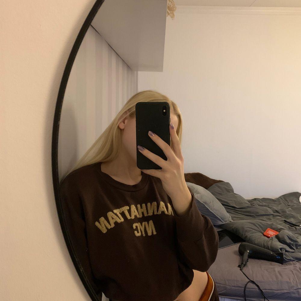 brun tröja från zara , Frakt står köparen för!. Toppar.