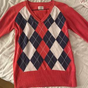 Säljer min fina Argyle mönstrade tröja! Frakt 66kr står köparen för!🦋