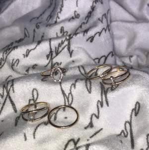 Alla ringar har en diameter på 17/18 mm. Säljs enskilt för 10kr eller alla fem för 30kr.