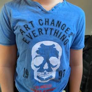 Snygg zadig t-shirt som är fin till sommaren!