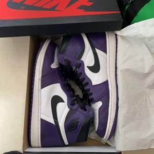 Säljer mina court purple, bra skick 8/10, skriv vid mer info och bilder, storleken är 45,5 men passar 45 hur bra som helst✨