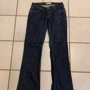 Super Clean Levis jeans storlek 32 älskar dom här