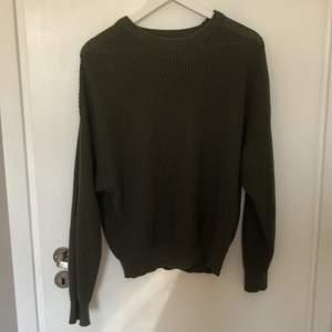 Superfin och skön tröja från Pull&Bear i strl 38! Inga defekter. Kostade runt 300 kr vid nypris