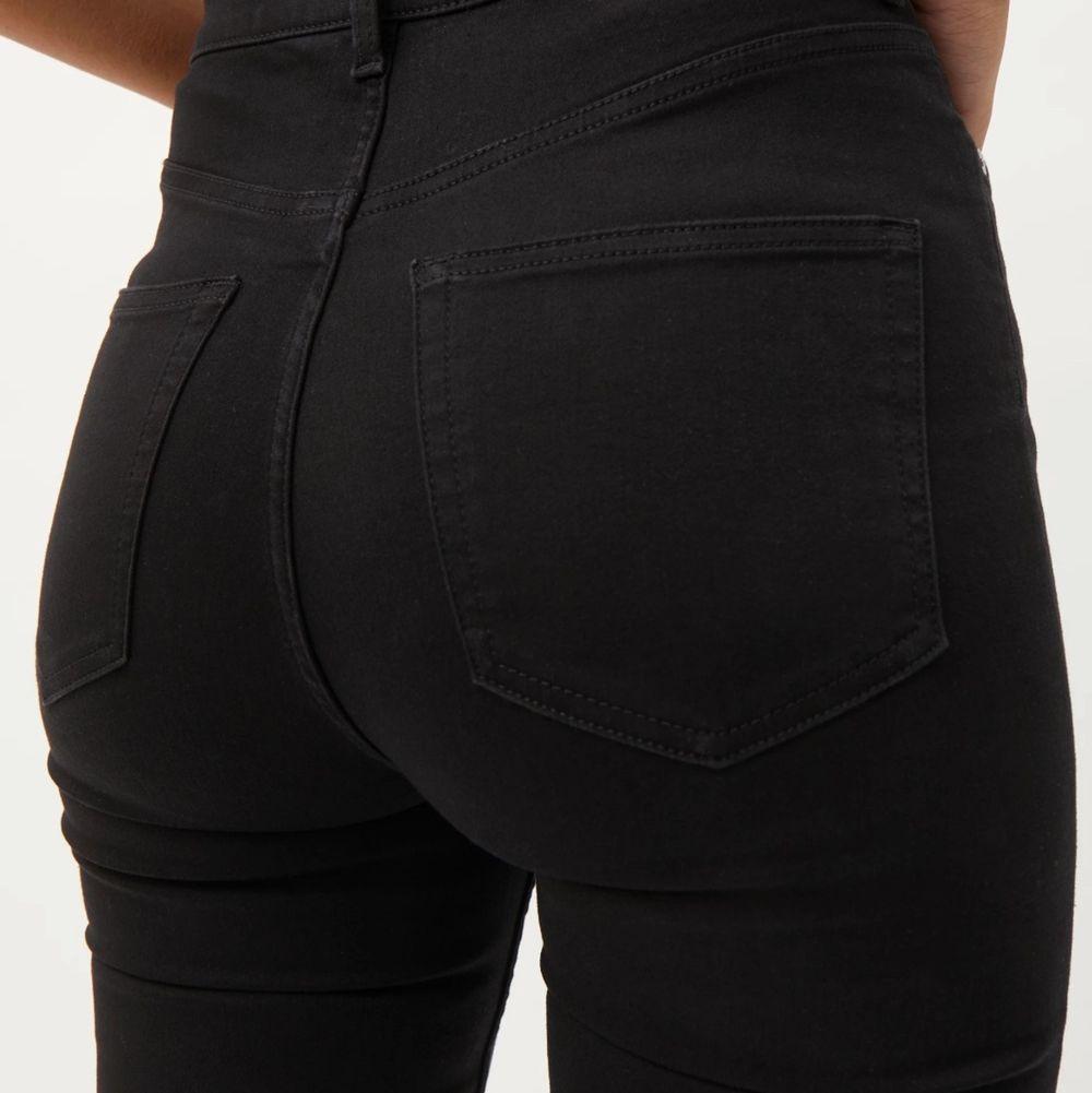 Weekday jeans, aldrig använda . Jeans & Byxor.