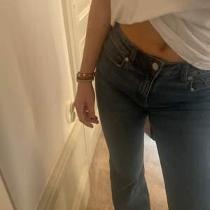 Boot cut jeans från mango, oanvända!