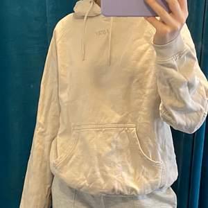 stay hoodie från carlings, som ny! köpt för 399kr säljer för 150kr! storlek S ☺️☺️