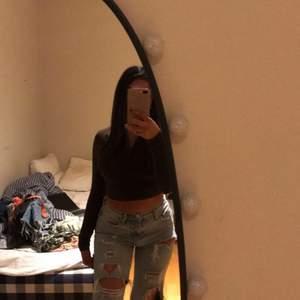 Super fina jeans från Gina. Säljs inte längre. Passar xs-s