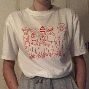Mysig och söt t-shirt från yesstyle. Helt ny och aldrig använd, säljer för hade velat att den skulle vara ännu större på mig. Storlek XL men ser ut som M/L. Ursprungspris är ungefär 95 kr.