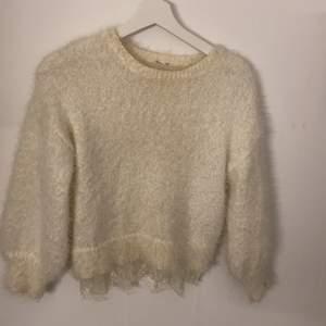Säljer denna super fina Kashmir tröjan 💞köparen står för frakten