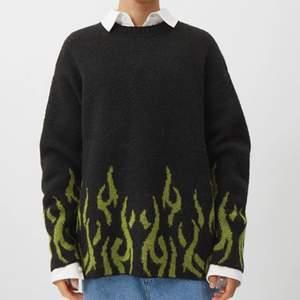 Säljer en likadan tröja som på bilden i storlek L, aldrig använd, bara testad. Tror jag köpte den för runt 500kr.