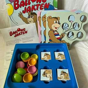 Fint barndoms spel i bra skick!                                                   Kolla in mina andra annonser för fler roliga spel & pussel (och kläder såklart)!!