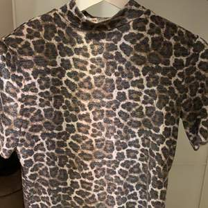 Mjuk och gosig tröja från Zara. Bra skick👍🏽 storlek S. Frakt tillkommer