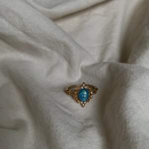 Säljer denna superfina ringen skriv för fler bilder eller andra frågor