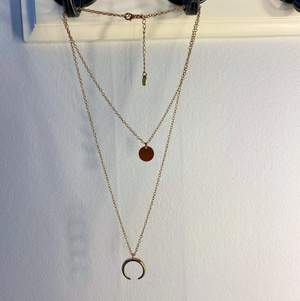 Dubbelt halsband med hängen❤️ frakt kostar 12kr🌼