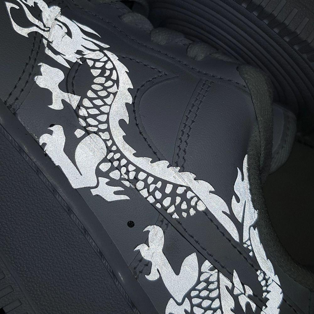 Hej! Vi är ett UF- företag som säljer sneakers med reflexmotiv🥰 skicka in dina skor till oss så designar vi dem med reflex för 299kr eller köp nya genom oss för 299kr + skokostnaden😊. Det går såklart även att beställa/skicka in andra skor än Nike AF1. Skriv meddelande vid intresse💕. Skor.