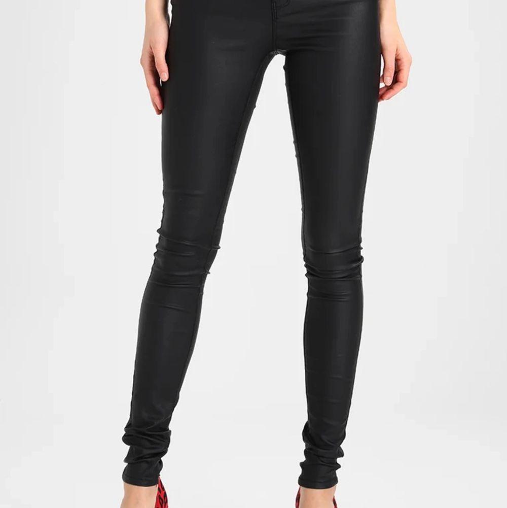 Storlek M. Jeans & Byxor.