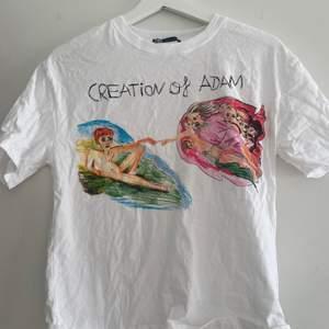 Ball tshirt med eva och adam tryck på framsida och baksida