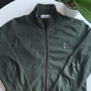 Stone Island Zip Sweatshirt, Clg kod finns om intresserade, Start pris: 899kr