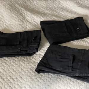 Tre par svarta jeans för 150kr!! Orginalpris 400kr styck från drdenim. Super sköna och i bra skick.