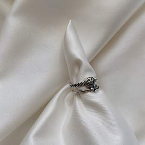 skitball ring i äkta sterling silver 925, unisex & justerbar. 110kr ink frakt🥰