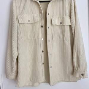 Fin Manchester tröja från Gina tricot i strl S, 165kr
