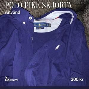 Polo piké skjorta, använd några gånger men i skick som ny! Storlek: L