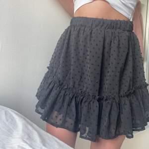 Jättefin kjol i storlek S. Aldrig använd ❤️