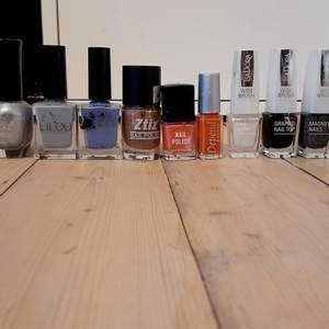 Många helt fulla några speciella, magnetiskt nagellack, grafitti nagellack