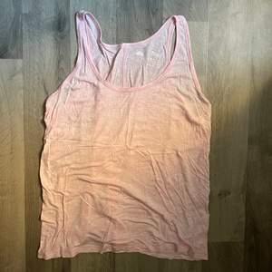 Säljer detta dina linne, passar utmärkt till sommaren. Köparen står för frakten!