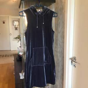 Vervet dark silver gray klänning XS/S med hoody 😍👯💃🏼