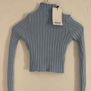 Jättefin tröja från madlady men färgen passade inte mig. Aldrig använd därav är lappen kvar!