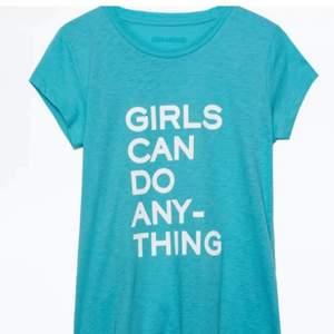 Säljer min absolut finaste Zadig tröjan och världens finaste sommar färg, köpt i butik i stockholm för 850kr