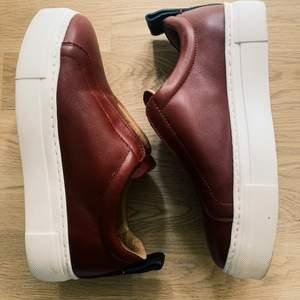 Sneakers från Marlene Birger i storlek 36. Aldrig använda.