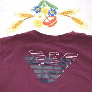 Säljer en fräsch Armani t-shirt. Använd ett par gånger. Nypris:499kr mitt pris:100kr                           Eller högstbjudande!