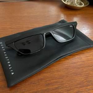 Riktigt snygga solglasögon från Quay Australia. Använda max 2 ggr. 100kr + köpare står för frakt🌞