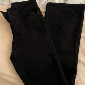 Bootcut svarta, använda 2 gånger, som nya och felfria