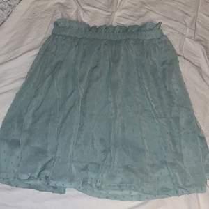 Volang kjol storlek S 💖använd en gång
