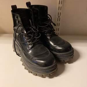 Snygga chunky boots från eytys samarbete med h&m. Storlek 40. Supersköna