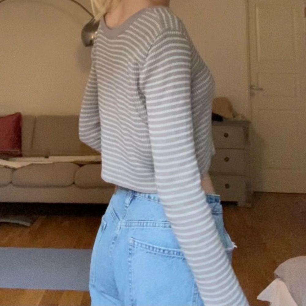 Superfin långärmad tröja från asos, storlek 42 men passar mig med s 😊 Nästan aldrig använd. Toppar.