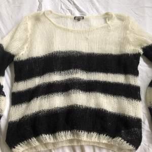 vintage bikbok sweater