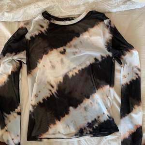 Snygg mesh tröja med mönster