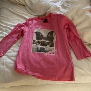 Min favorit tröja som liten med lite djur på och väldigt andvändbar. Buda!