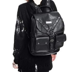 Killstar Ritual Ring Backpack! Säljer eftersom jag har för breda axlar för att den ska passa! Super cool med fake läder