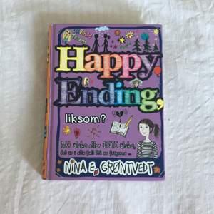 """bok """"Happy Ending, liksom?"""" köpt på Akademibokhandeln för några år sedan💕 köpt för 149 kr (står på baksidan)💕 läs vad den handlar om på bild 2💕 rekommenderar för lite yngre läsare💕 (det är sista boken på en bokserie men går utmärkt att läsa utan att ha läst de andra)💕 vill meddela att det föreställer tejp på baksidan av boken"""