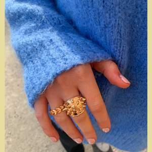 Säljer nu ringar! Dem tjocka ringarna kostar 95kr och de smala kostar 90kr. Kontakta mig för beställning! Frakten ingår💕