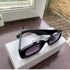 Säljer mina solglasögon från chimi x hm då jag har allllttt för många solglasögon🤕